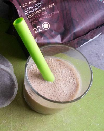 smoothie ijskoffie met dadels en kokos