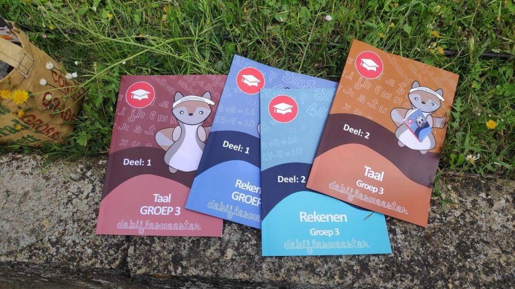 oefenboeken; zelf je kind les geven op een lange reis