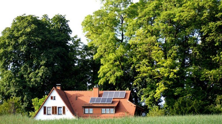 fabels over zonnepanelen